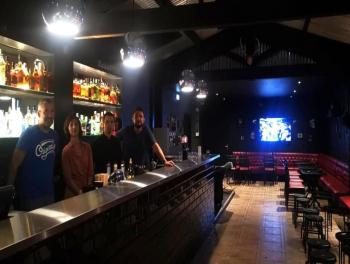 Quinze Speakeasy & Sports Bar